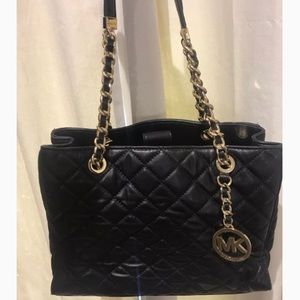 MICHAEL KORS quilted leather bag